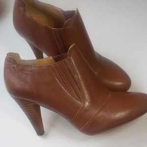 Audrey Brooke Booties Size 7W